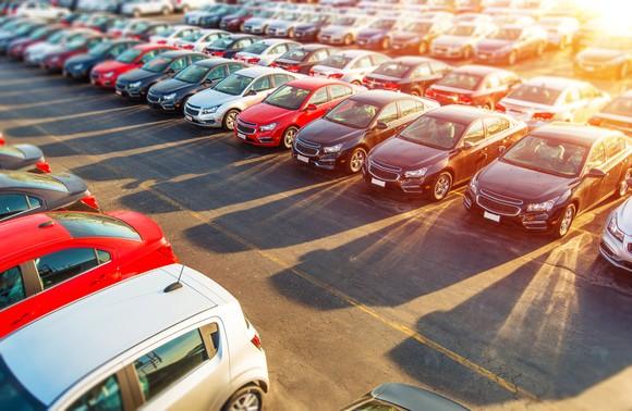 CarMax Buying Cars and Making Big Money